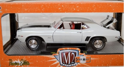 Picture of  1969 Chevrolet CamaroZ/28 R48 (15-07) white with black accents